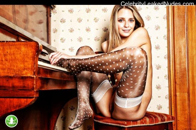 Mischa Barton celebrities naked