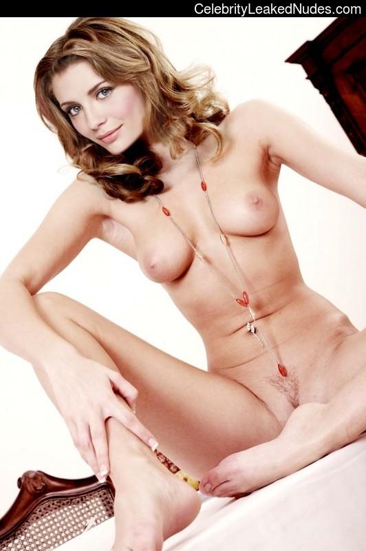 fake nude celebs Mischa Barton 26 pic