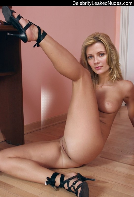 Mischa Barton celebrities naked