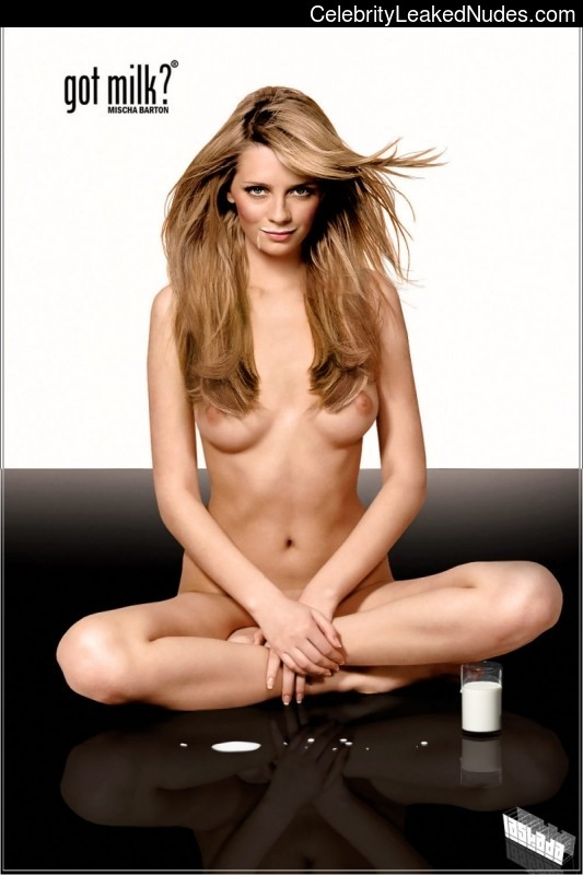 Naked celebrity picture Mischa Barton 8 pic
