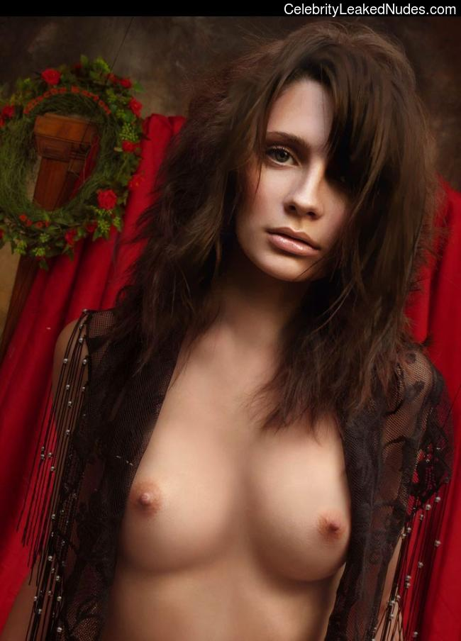 Real Celebrity Nude Mischa Barton 10 pic