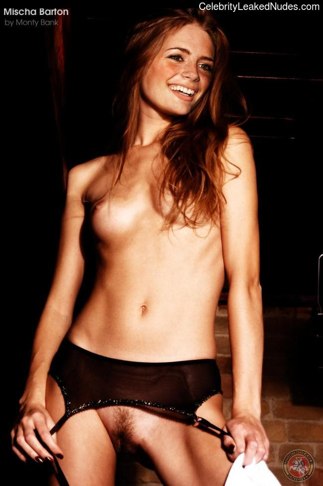 Naked Celebrity Mischa Barton 9 pic