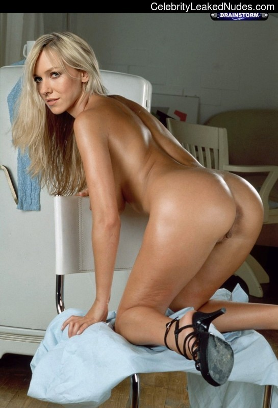 Free nude Celebrity Naomi Watts 2 pic