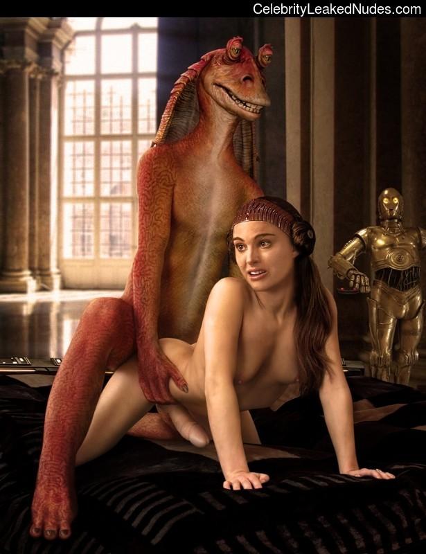 Hot Naked Celeb Natalie Portman 21 pic