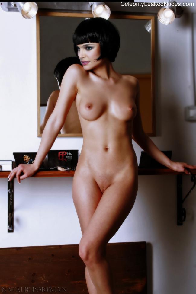 Real Celebrity Nude Natalie Portman 22 pic
