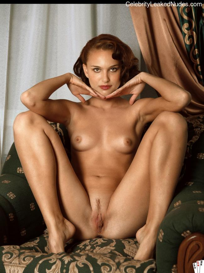 Naked celebrity picture Natalie Portman 30 pic