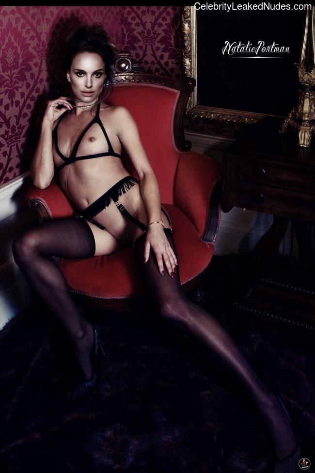 Naked Celebrity Pic Natalie Portman 1 pic