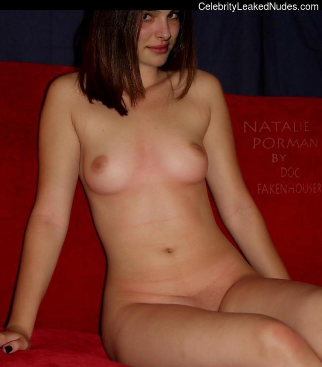 Naked Celebrity Pic Natalie Portman 11 pic