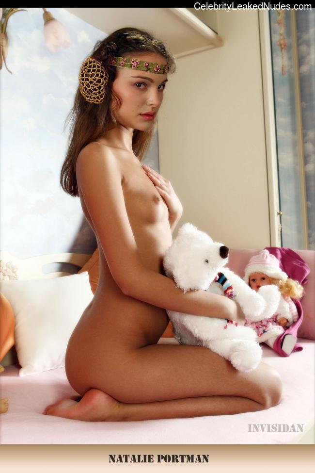 Celeb Nude Natalie Portman 23 pic