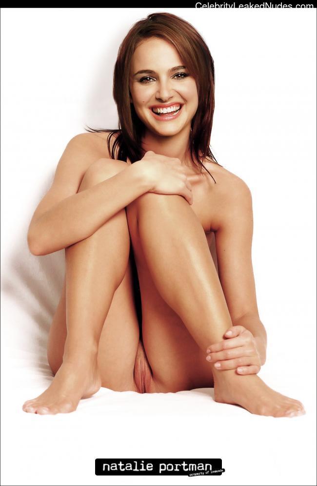 Nude Celebrity Picture Natalie Portman 28 pic