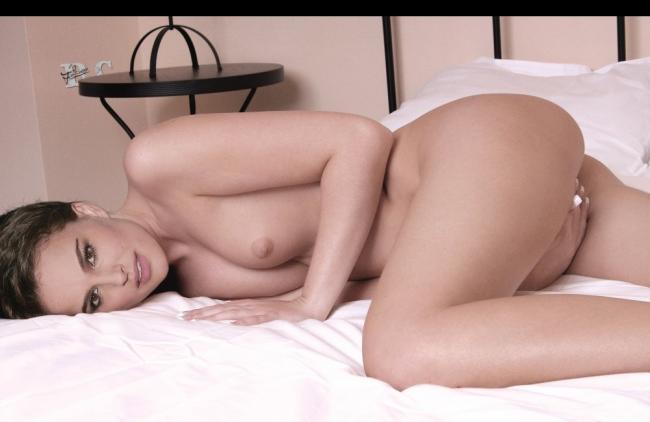 nude celebrities Natalie Portman 2 pic