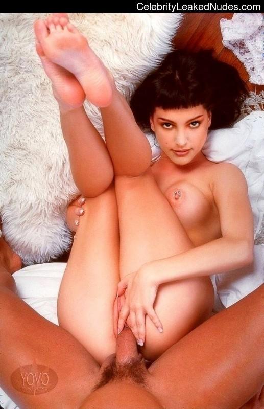Best Celebrity Nude Natalie Portman 22 pic