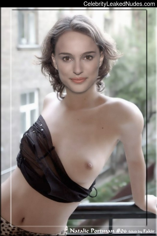 Naked celebrity picture Natalie Portman 10 pic