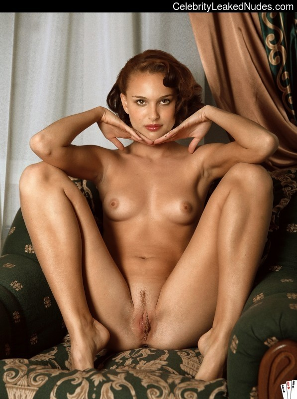 Celebrity Leaked Nude Photo Natalie Portman 11 pic
