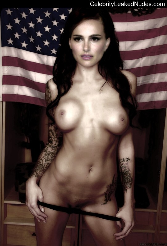 Celebrity Naked Natalie Portman 15 pic