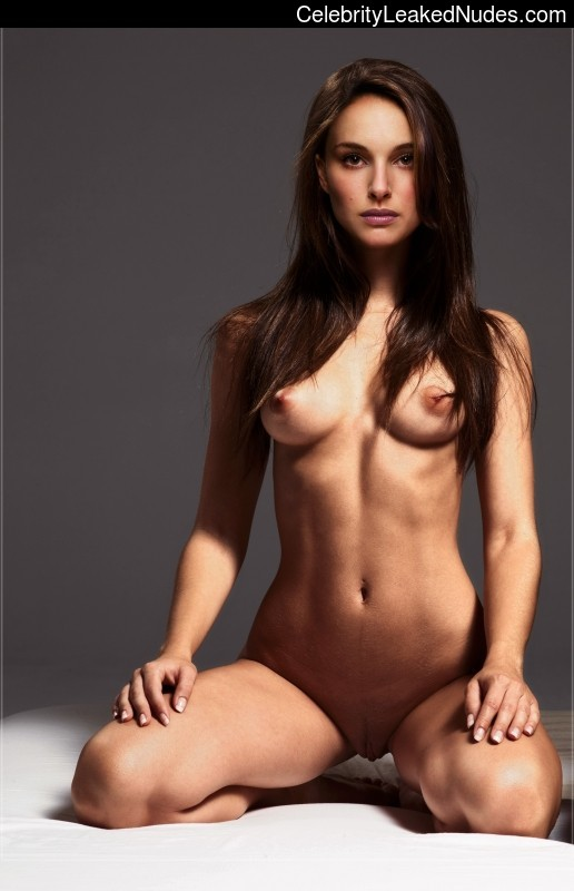 celeb nude Natalie Portman 16 pic