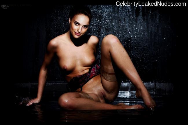 Hot Naked Celeb Natalie Portman 7 pic