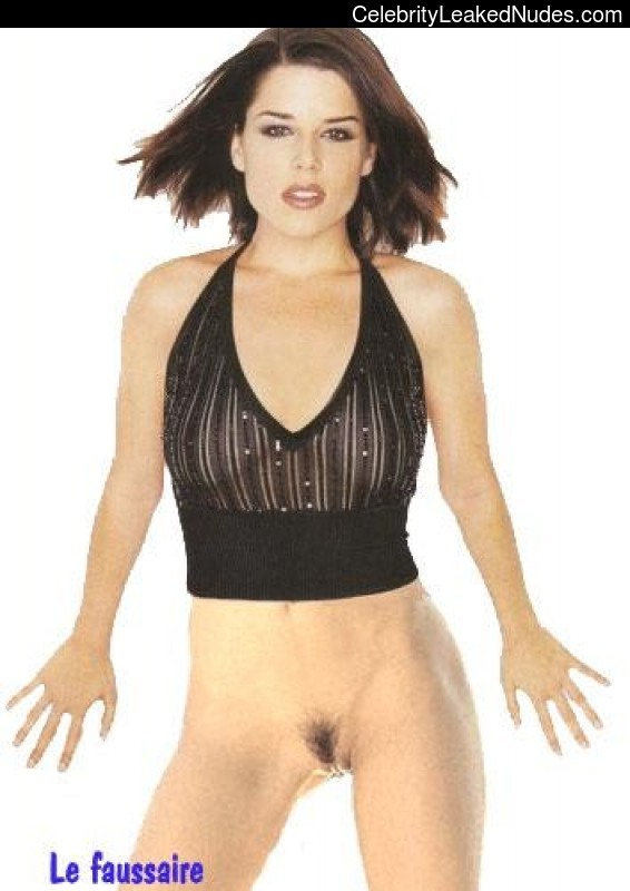 Free Nude Celeb Neve Campbell 13 pic