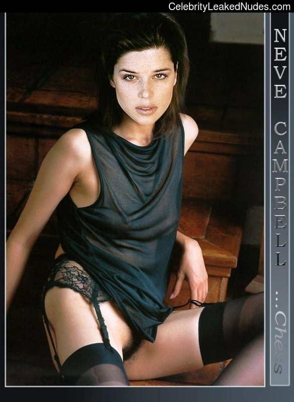 Nude Celebrity Picture Neve Campbell 17 pic