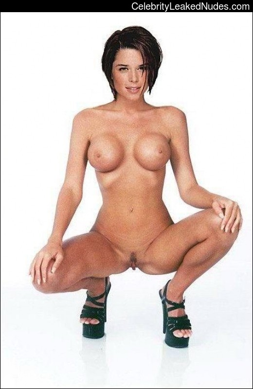 Naked Celebrity Neve Campbell 2 pic