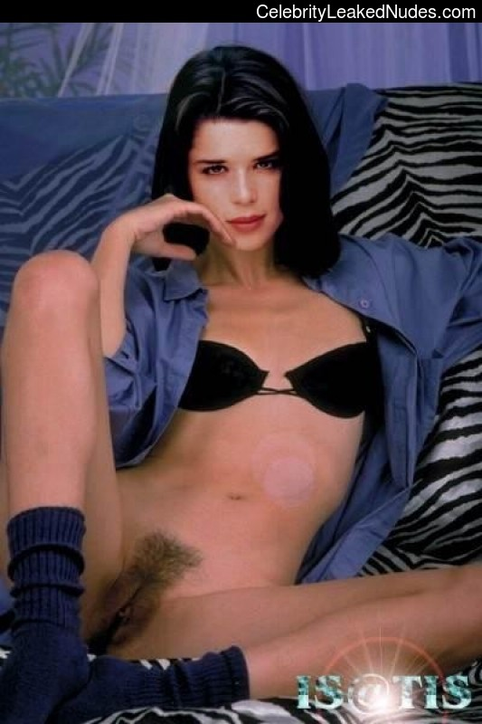 Celebrity Nude Pic Neve Campbell 6 pic