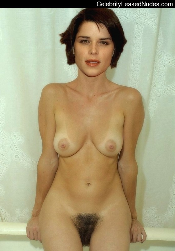 Naked celebrity picture Neve Campbell 12 pic