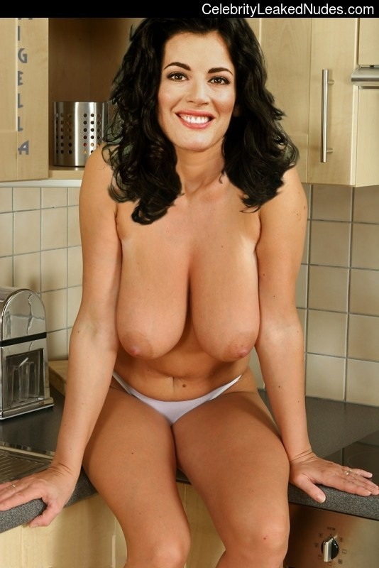Naked Celebrity Pic Nigella Lawson 13 pic