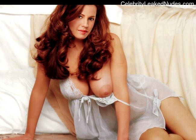 Nikki Cox celeb nude
