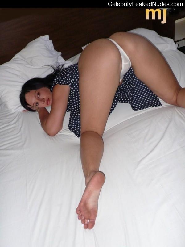 Nurgul Yesilcay naked celebrity pics