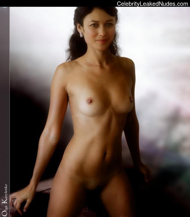 Hot Nude Chubby body tiny tits