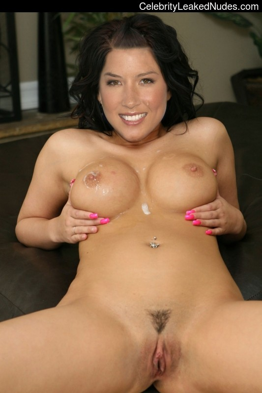 Celebrity Nude Pic Olivia Munn 16 pic