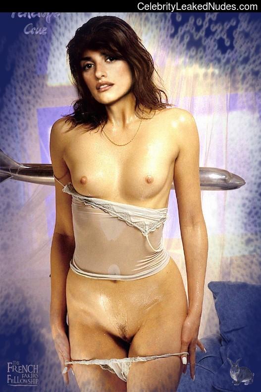 Free Nude Celeb Penelope Cruz 2 pic