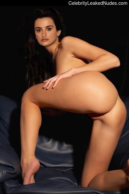 Celebrity Naked Penelope Cruz 15 pic