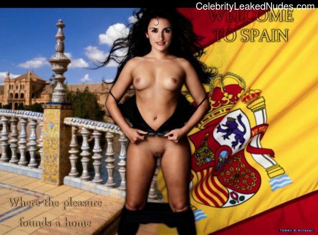 Celeb Naked Penelope Cruz 25 pic