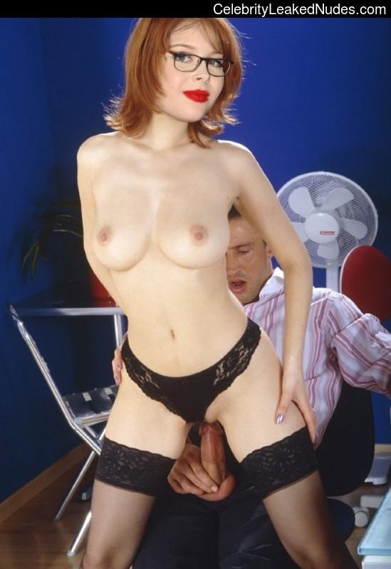 nude celebrities Renee Olstead 1 pic