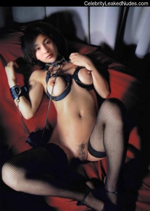 Famous Nude Ryoko Hirosue 27 pic
