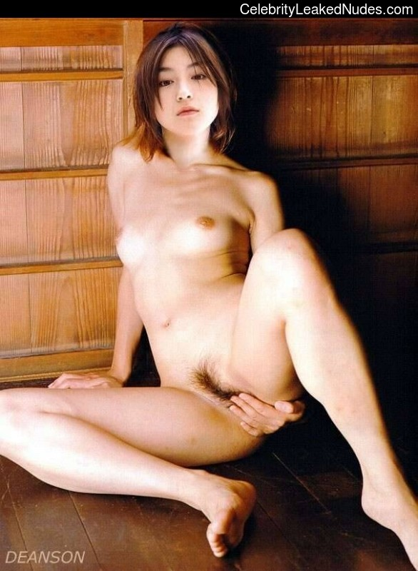 Free Nude Celeb Ryoko Hirosue 28 pic