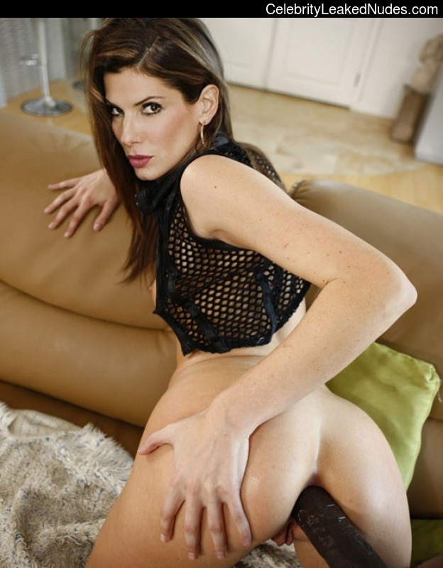 Nude Celeb Pic Sandra Bullock 25 pic