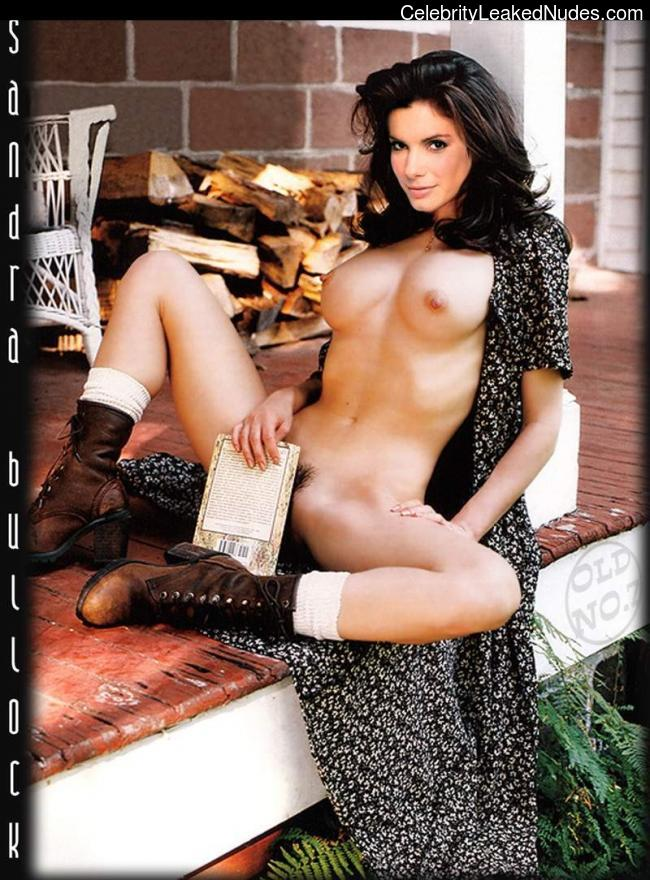 naked Sandra Bullock 16 pic