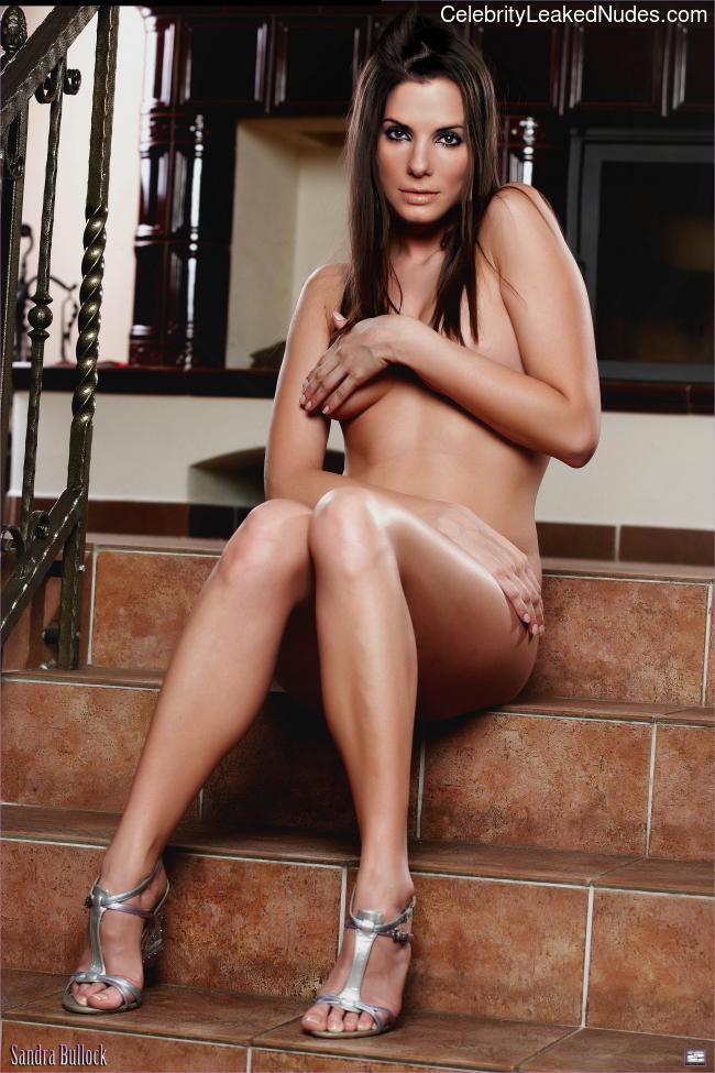 Nude Celebrity Picture Sandra Bullock 24 pic