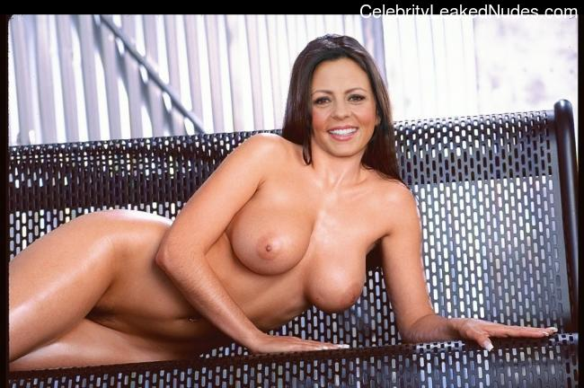 Naked celebrity picture Sara Evans 22 pic