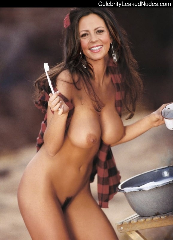 nude celebrities Sara Evans 30 pic