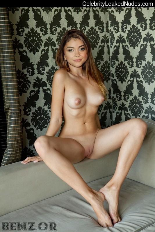 nude celebrities Sarah Hyland 6 pic
