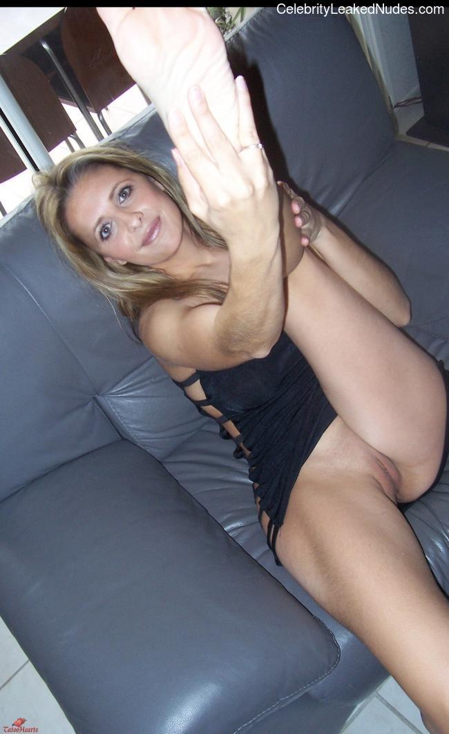 naked Sarah Michelle Gellar 8 pic