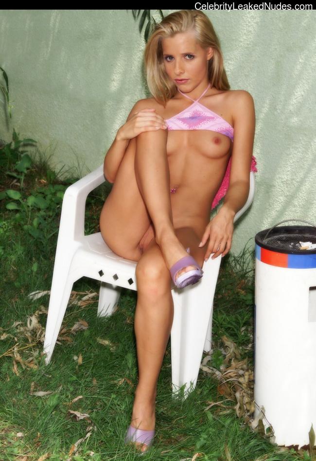 Celebrity Nude Pic Sarah Michelle Gellar 28 pic