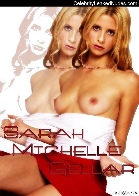 nude celebrities Sarah Michelle Gellar 11 pic