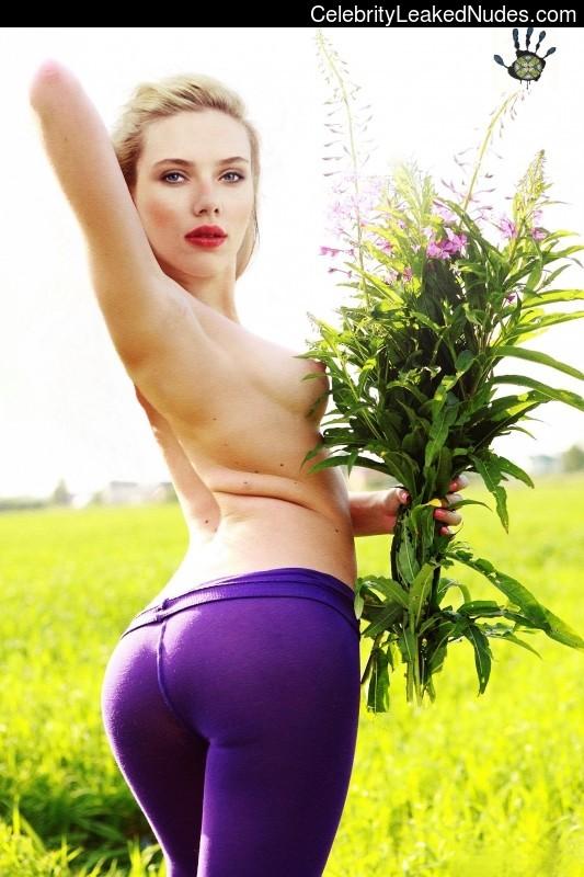 Naked Celebrity Pic Scarlett Johansson 3 pic