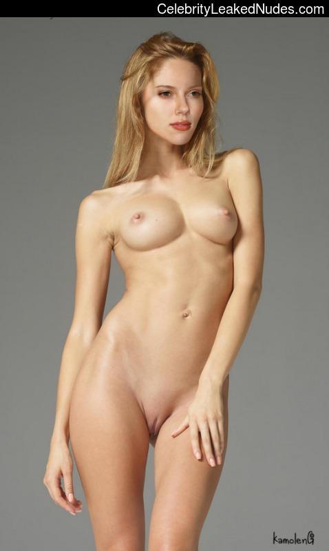 Scarlett Johansson celebrity naked pics