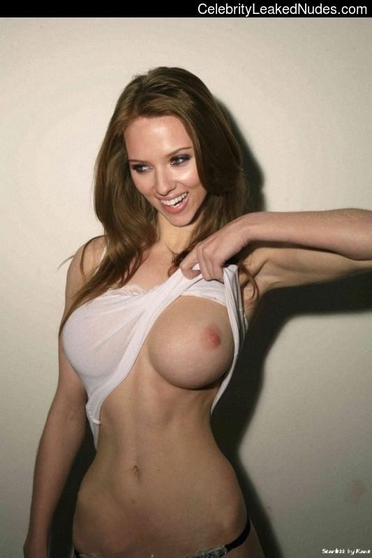 Free Nude Celeb Scarlett Johansson 11 pic