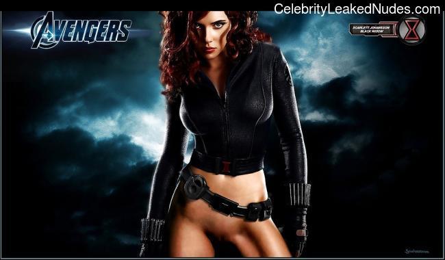 Hot Naked Celeb Scarlett Johansson 12 pic
